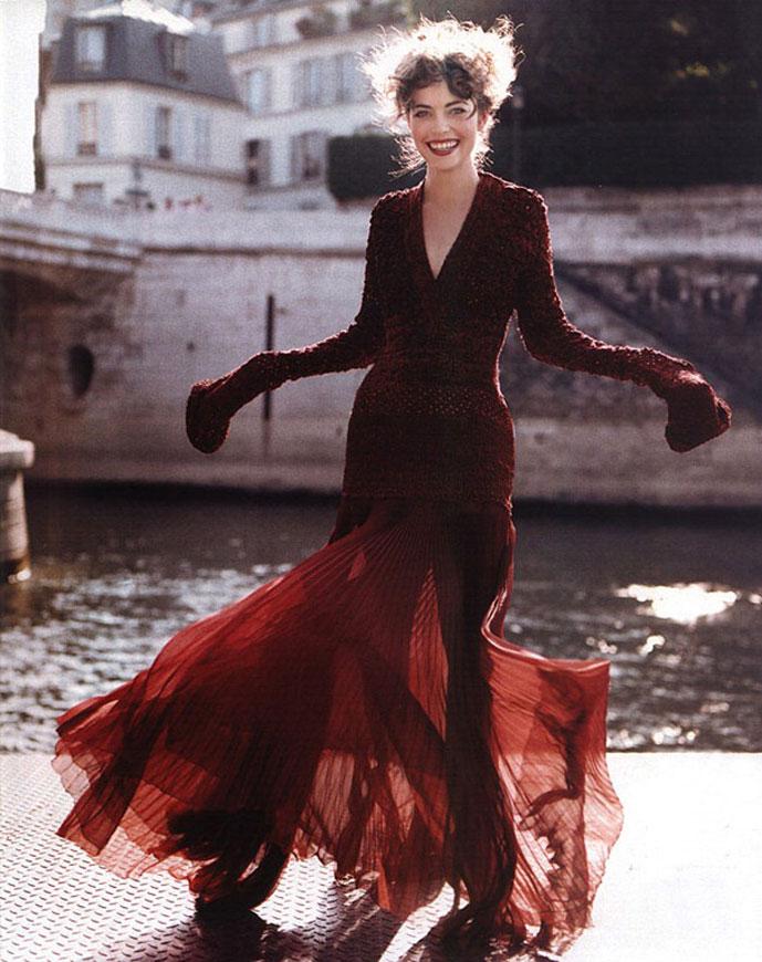 Amelia Heinle in In Style November 1999 (photography: Matthew Rolson)