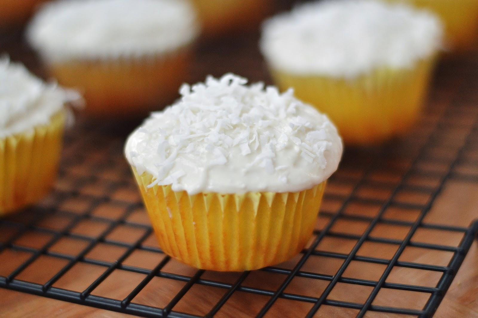"... Baking: ""Skinny"" Pineapple Cupcakes with Greek Yogurt Coconut I..."
