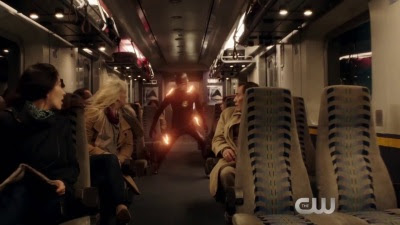 The Flash (TV-Show / Series) - Season 2  'Pretty Messed Up' Extended Teaser - Screenshot