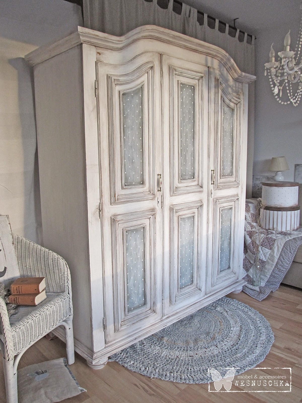 Shabby Schrank. Top Tv With Shabby Schrank. Awesome Shrunk Furniture ...