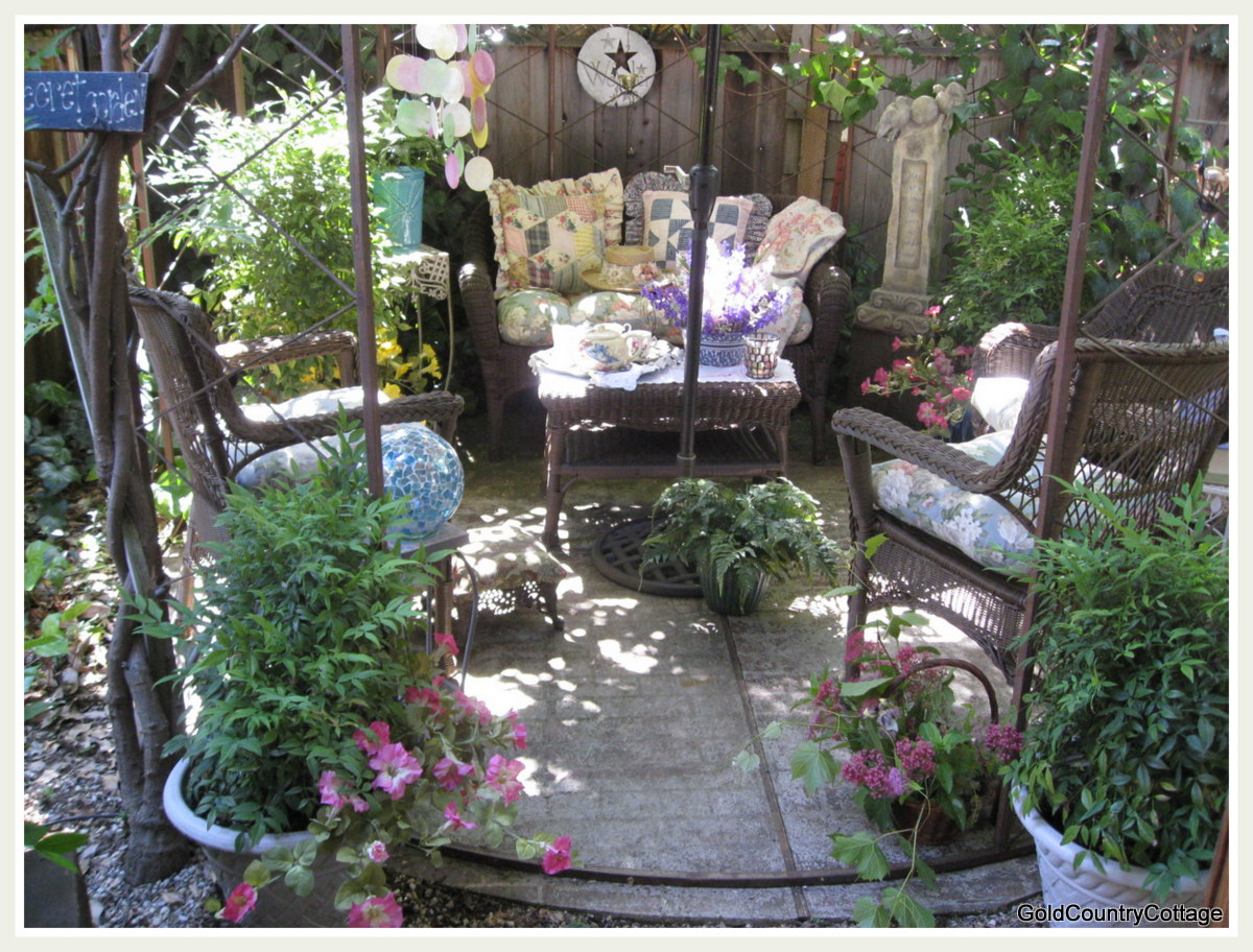 Small Secret Garden Ideas Photograph