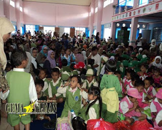 <marquee>Sekitar 400 Orang Anak TK Meriahkan Hari Anak Nasional</marquee>