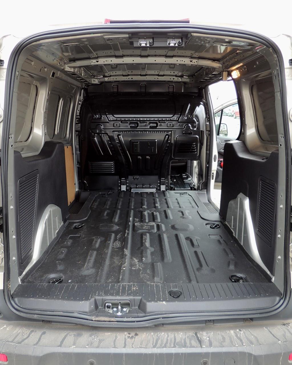 Ford Transit Connect L2 - przestrzeń ładunkowa