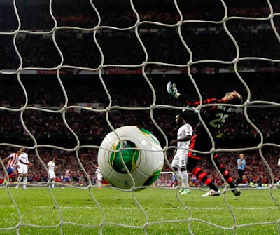 ball on the Real Madrid's net