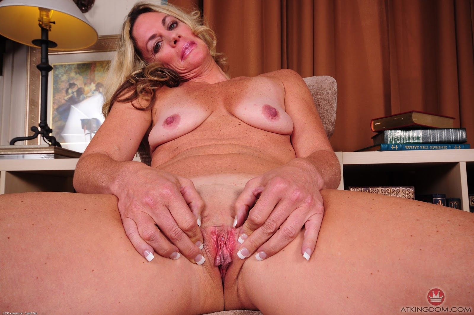 Mature Porn at Aunt Judys - The