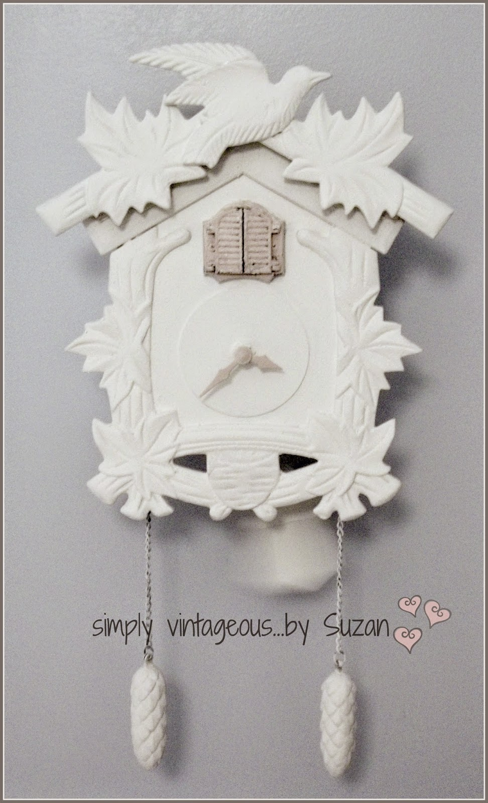 Simply vintageous suzan a painted cuckoo clock i amipublicfo Image collections