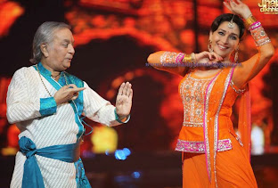 Madhuri dancing with Birju Maharaj