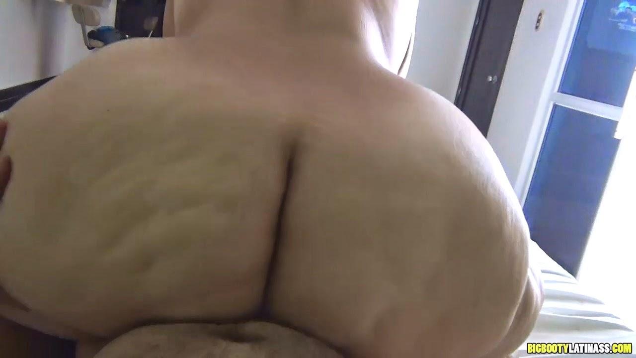 Big mega ass 20 year old in jean ls2 9