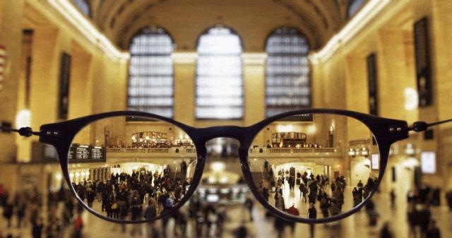メガネ越しに見たニューヨークを表現したアニメーション作品