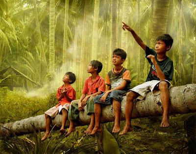 Niños en las junglas de Vietnam - Vietnamese children