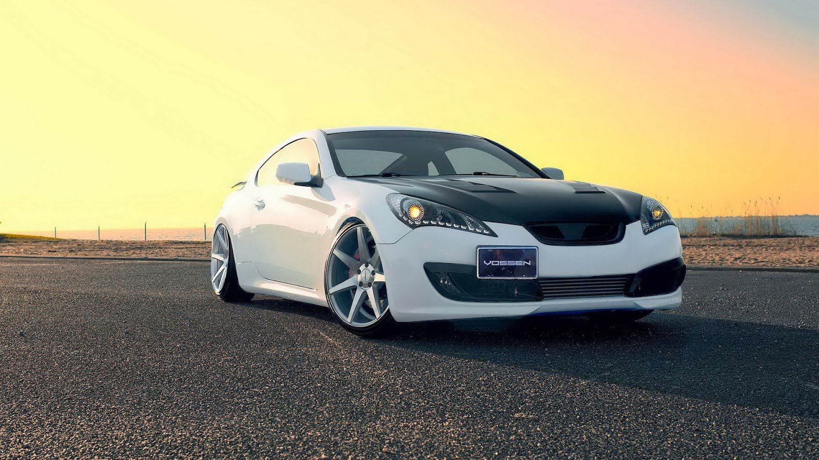 HIGH DEFINITION CAR WALLPAPERS