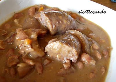Fagiolata di carnevale o fagioli grassi  ricetta della tradizione piemontese in ricorrenza del carnevale