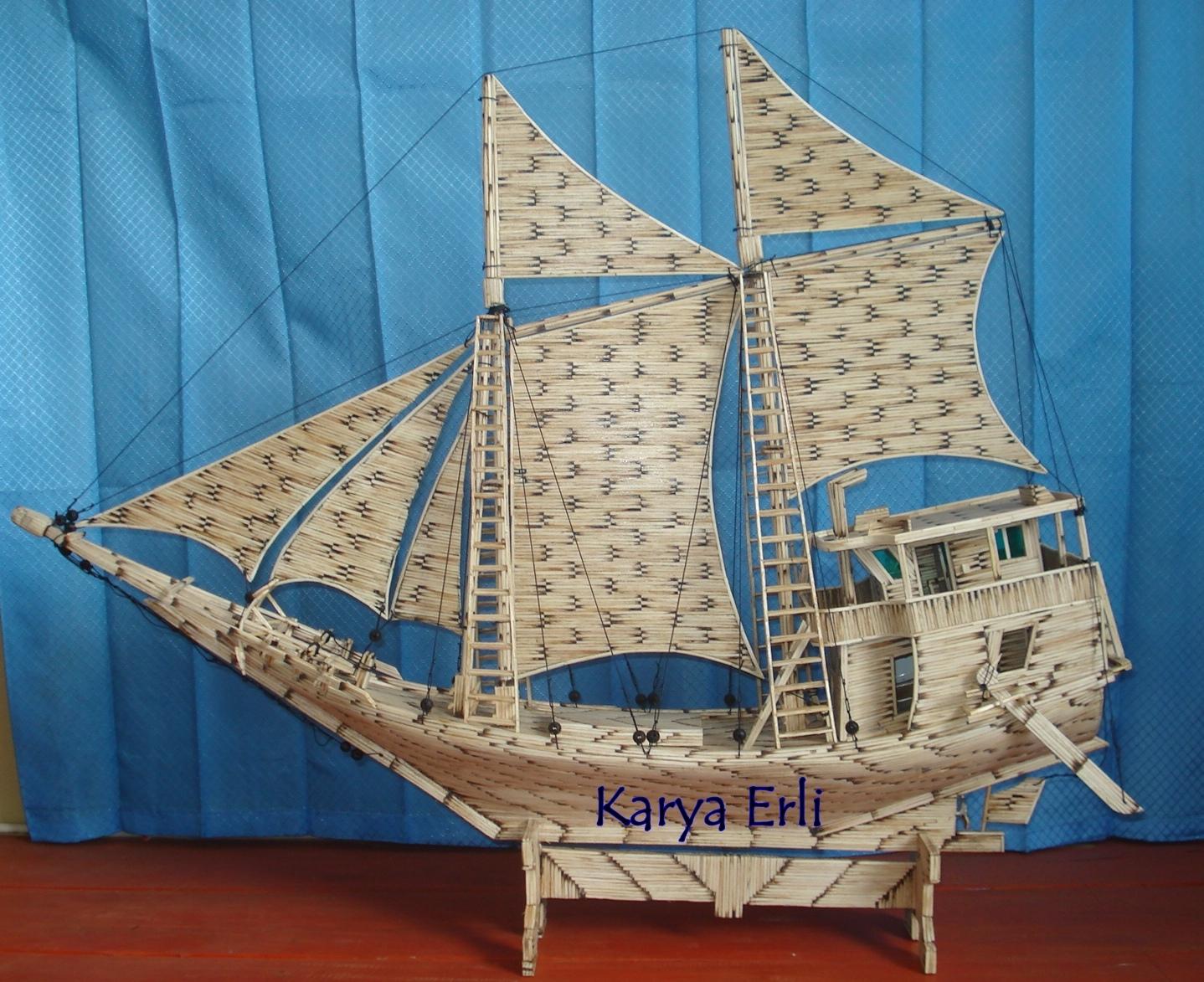 Miniatur Kapal Phinisi Lambo Unik dari Bahan Korek Api Karya Erli