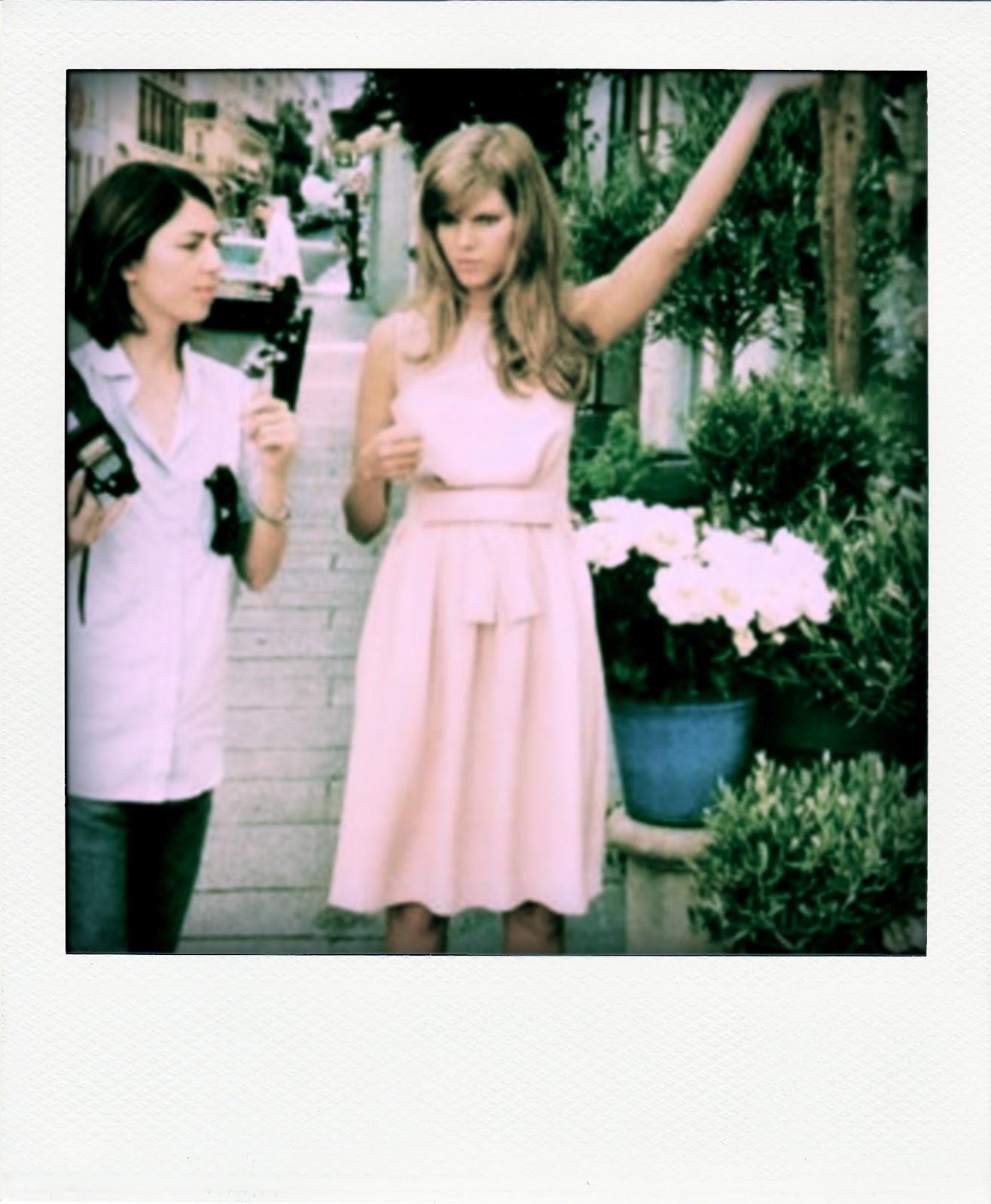 http://3.bp.blogspot.com/-Jm5YRMhRy_E/T3CaNkIvyII/AAAAAAAAAXE/spRFrFQhAp0/s1600/Miss+Dior+Cherie7.jpg-pola.jpg