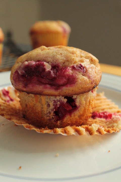 Life on Food: Raspberry Yogurt Muffins