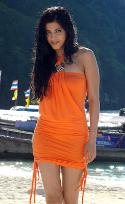 Sruthi Hassan sexy actress