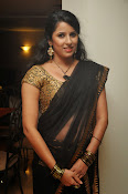 Sravya reddy sizzling saree photos-thumbnail-7