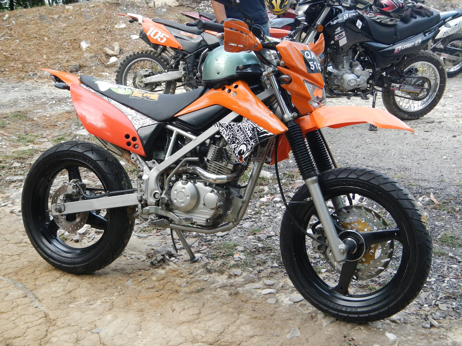 KLX150s Is A Medium Size Scrambler Bike That Suits Someone Like My Small Guy Big Ambition But Even For With Body The