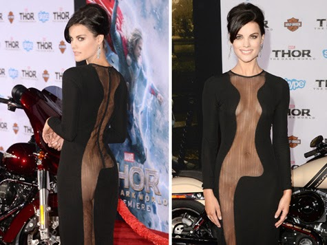 Actress naked at movie Premiere