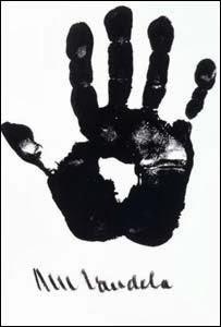 handprint-tangan-nelson-mandela