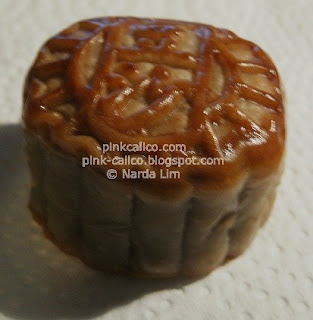 Pink Calico - Mooncake