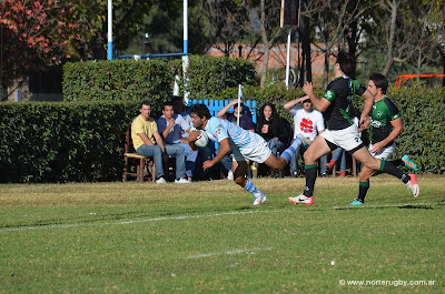 Nicolás Carrizo se zambulle en el ingoal