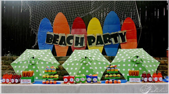 Party Frosting: Pool or Beach party ideas and inspiration!