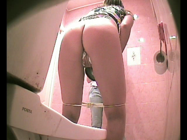 podsmotrennoe-v-tualete-instituta
