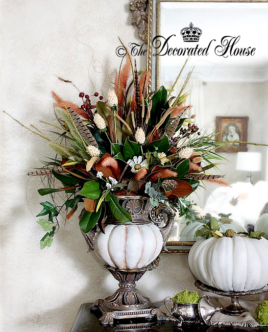 Fall Decorating - The Decorated House