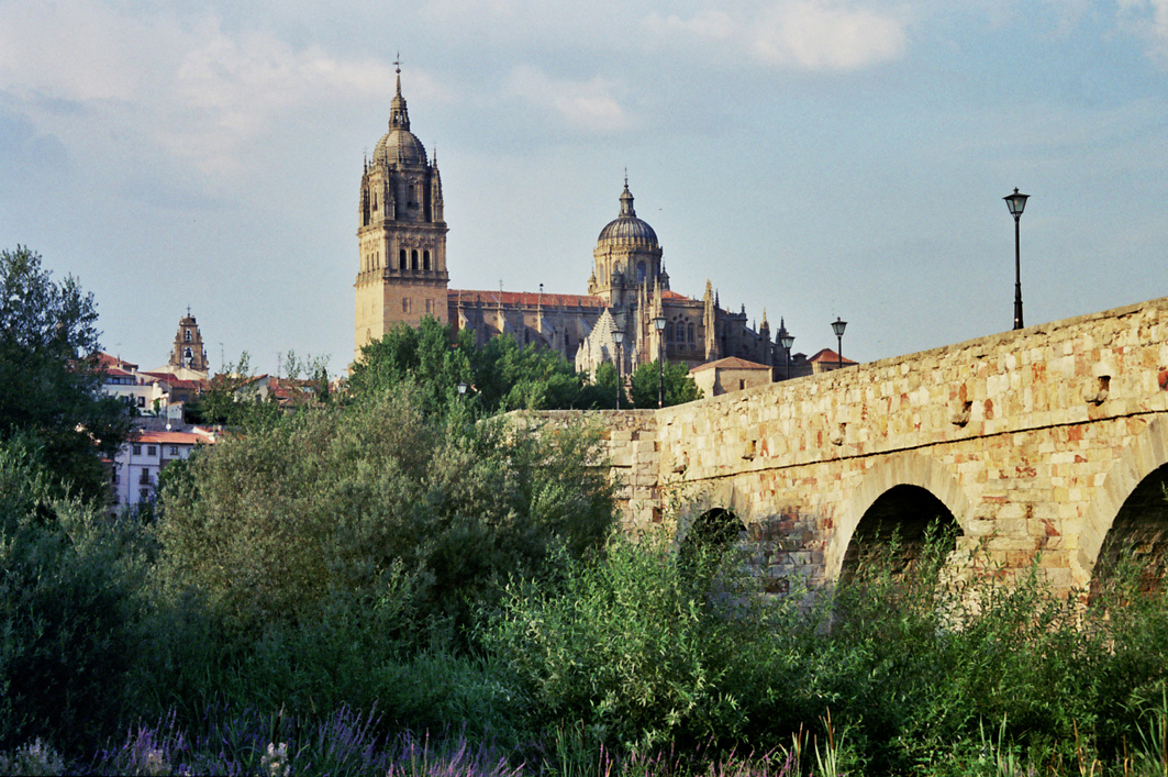 World hold on jordi valbuena 39 s photography and travel - On salamanca ...
