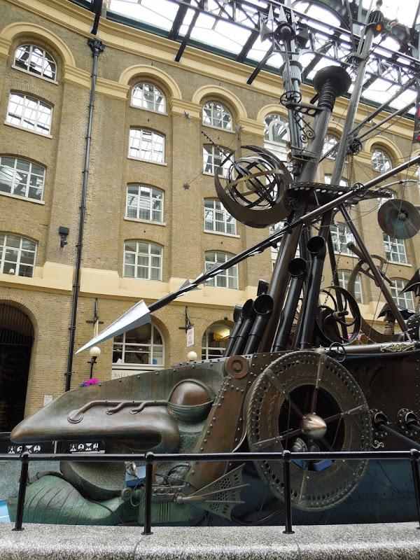 Navigators sculpture David Kemp