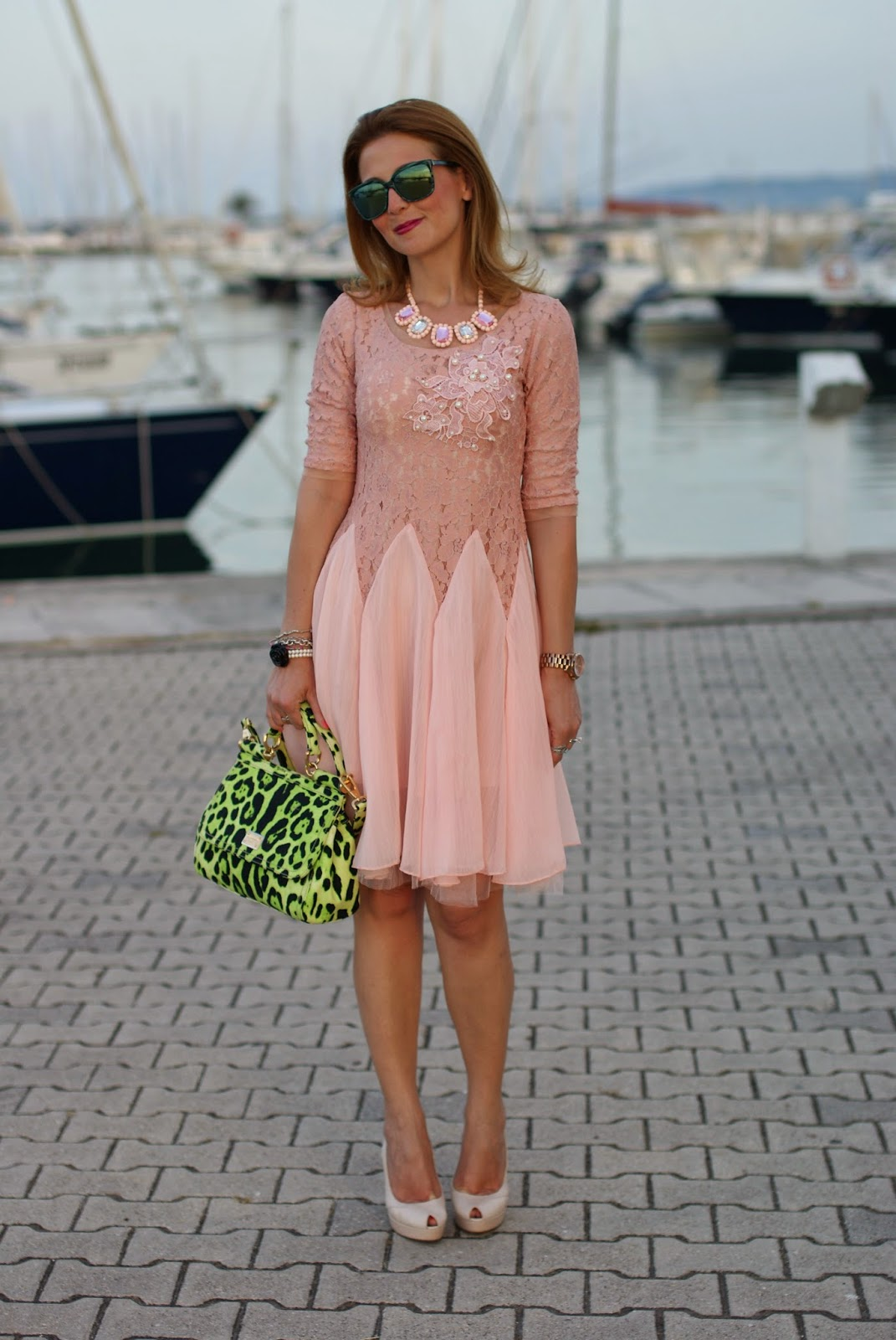 bloggers wearing pink,  pink dress, Miss Sicily green bag, Fashion and Cookies, fashion blogger