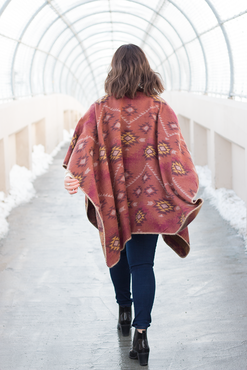 Printed cape for fall