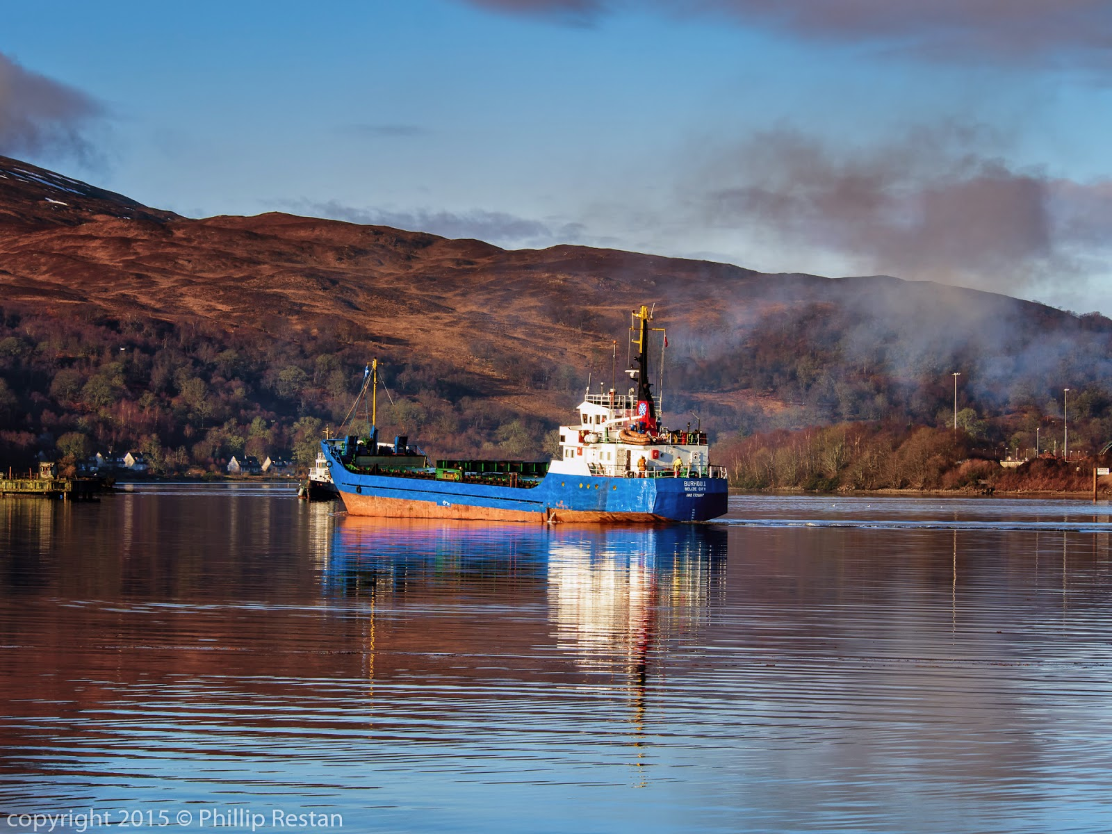 Image of The  Burhou I returning to her berth after the failed attempt to tow the Fri Sea off the Corpach beach