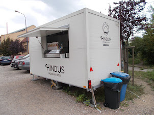 """""""Hindus"""" mobile restaurant outside """"Schindler Factory Museum"""""""
