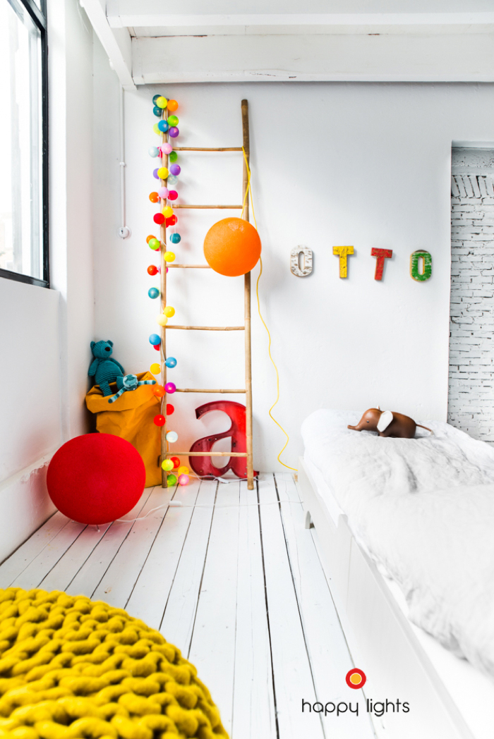 happy lights and a teen bed from Rafa-kids