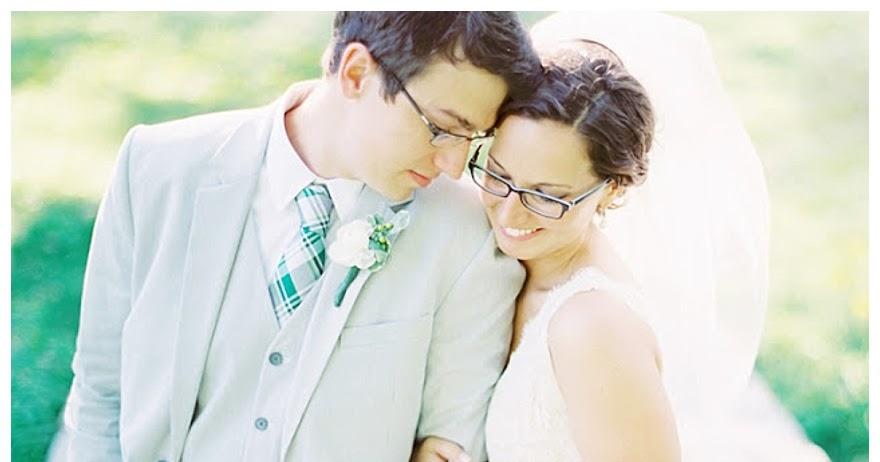 Wear glasses wedding