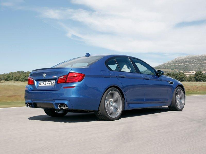 new bmw m5 2012 2013 features and video car pages. Black Bedroom Furniture Sets. Home Design Ideas