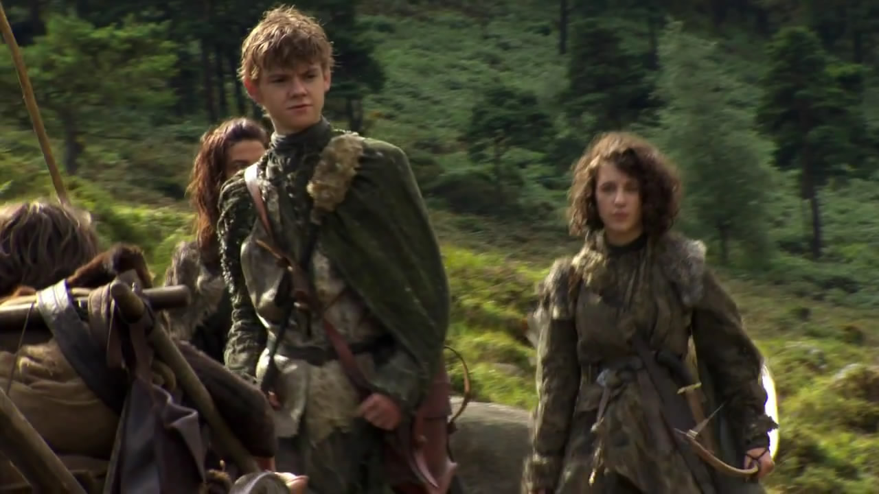 this time with her brother Jojen  played by Thomas Brodie-SangsterThomas Sangster Narnia