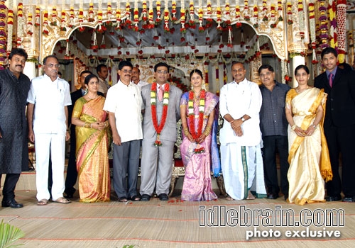 Posted by MegaPowerFamily at 05 17Venkatesh Marriage Photos