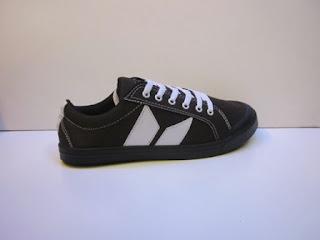 Sepatu Macbeth Vegan Coklat