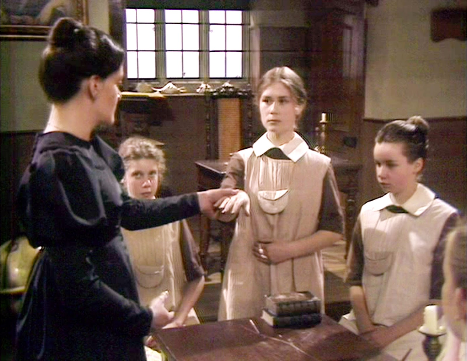 helen burns influence on jane eyre An analysis of the relationship between jane and her childhood friend, helen burns, in charlotte brontë's novel 'jane eyre'  helen's influence over jane .