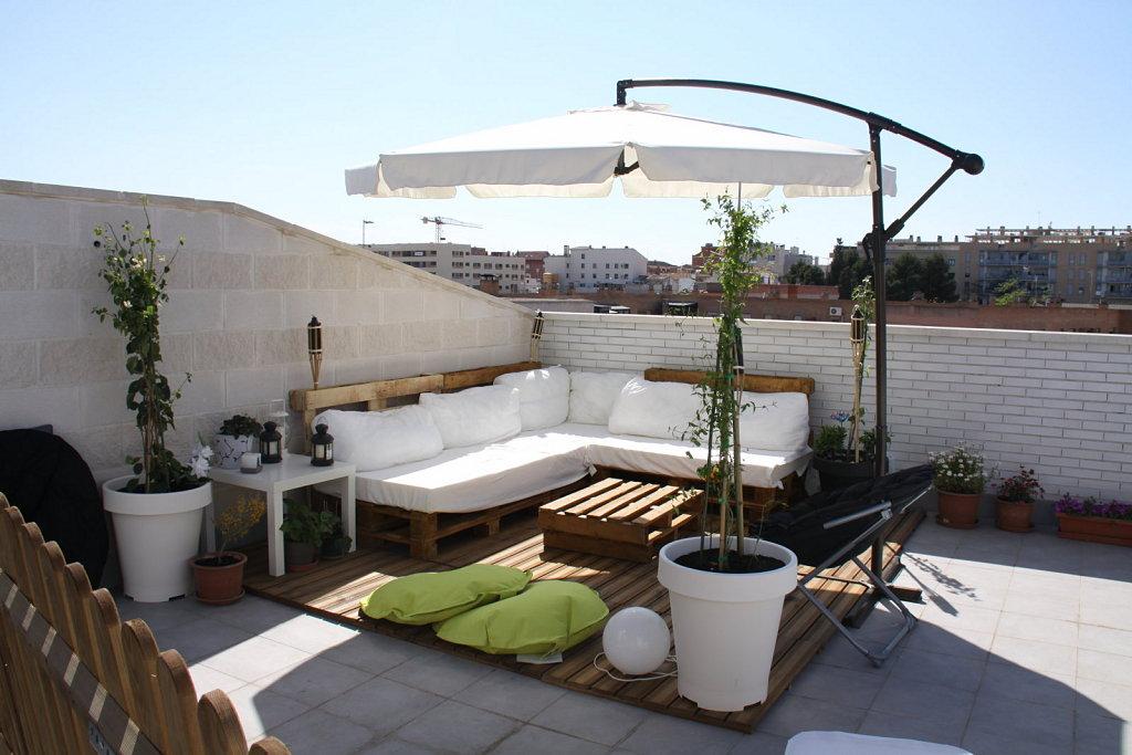 Reciclar reutilizar y reducir decora tu terraza con palets - Decora tu terraza ...