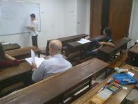 Alumnos participando