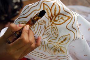 Kembangkan Batik Tulis Khas Blora Petani Hutan Di Randublatung