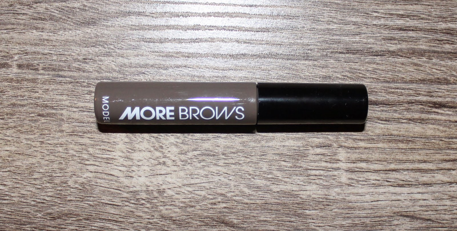 Model Co. More Brows Eyebrow Thickening Gel