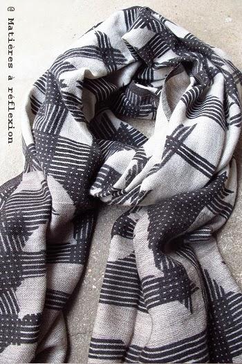 Foulard noir & blanc graphique Ma Poésie
