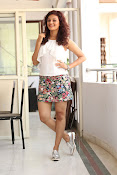 Seerat Kapoor New glam stills-thumbnail-5