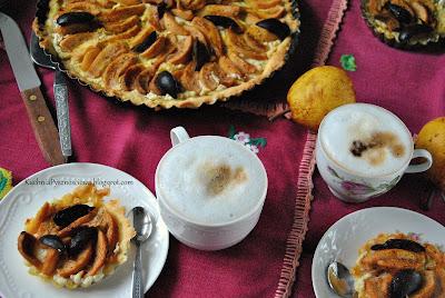 375. Gryczana tarta z gruszkami i serem ricotta