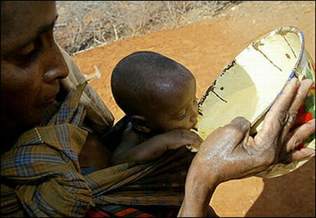 http://3.bp.blogspot.com/-JqyCRfWRPS0/TmUHE6c0TWI/AAAAAAAAEQA/stOa1zu-lzM/s1600/Famine+in+Somalia.jpg